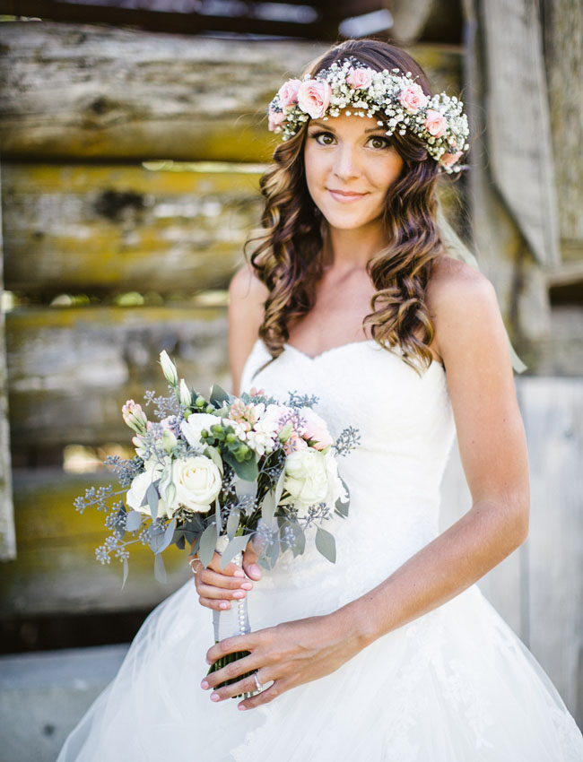 rose flower crown bride
