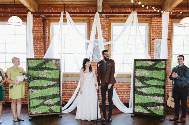 airplant ceremony backdrop