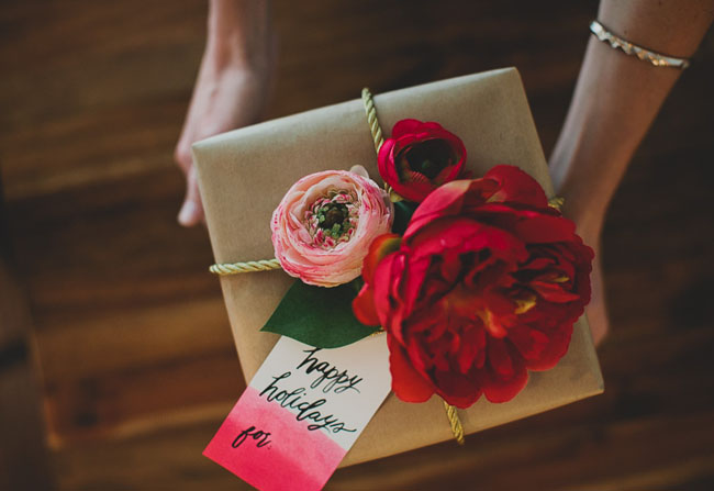 How To Wrap A Wedding Gift Box : DIY: Gift Wrap with Silk Flowers from Afloral Green Wedding Shoes ...