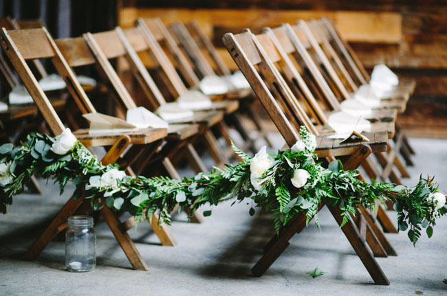 garland aisle decor