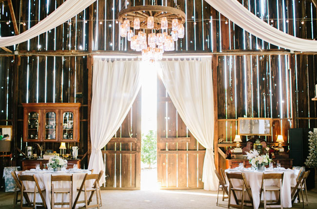 Dana Powers barn wedding