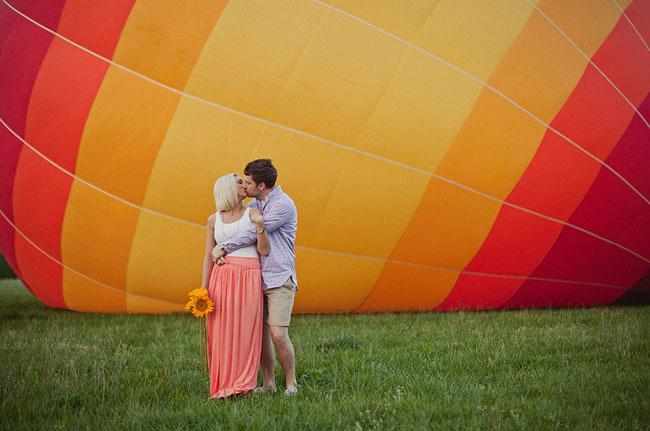 hot air balloon engagement photo