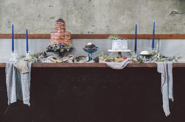 indigo winter cake table
