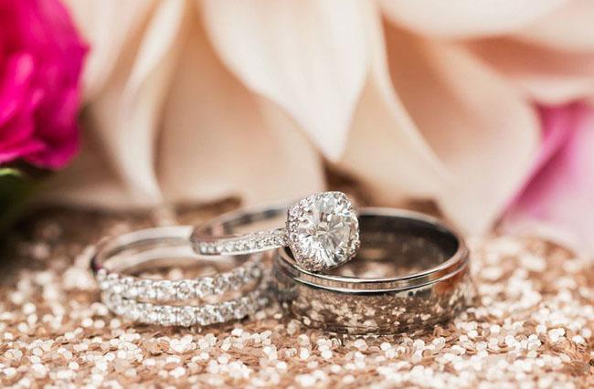 rings on glitter