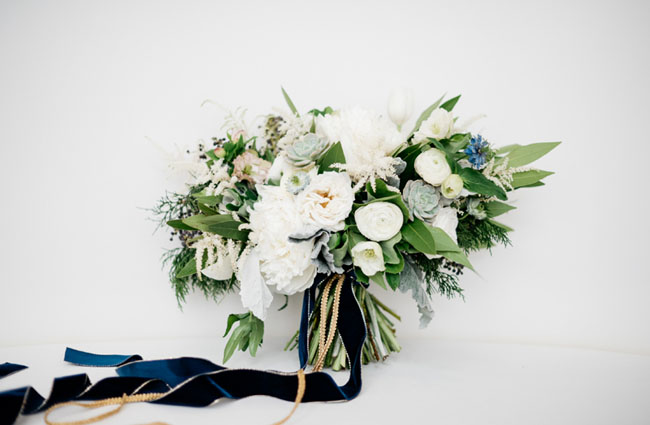 modern new years bouquet