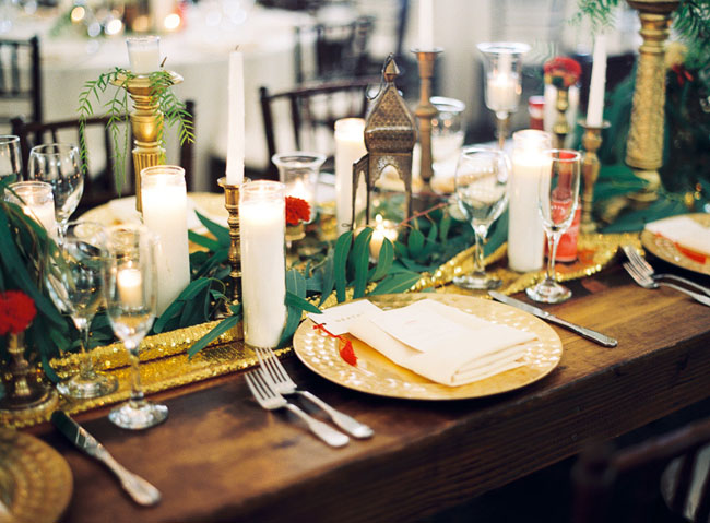 gold green tablescape