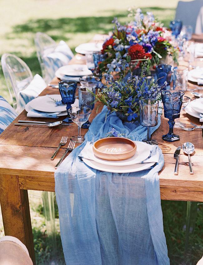 indigo blue tablescape
