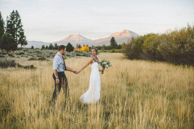 Oregon Mountain Meadow Elopement: Carlee + Garret | Green Wedding ...
