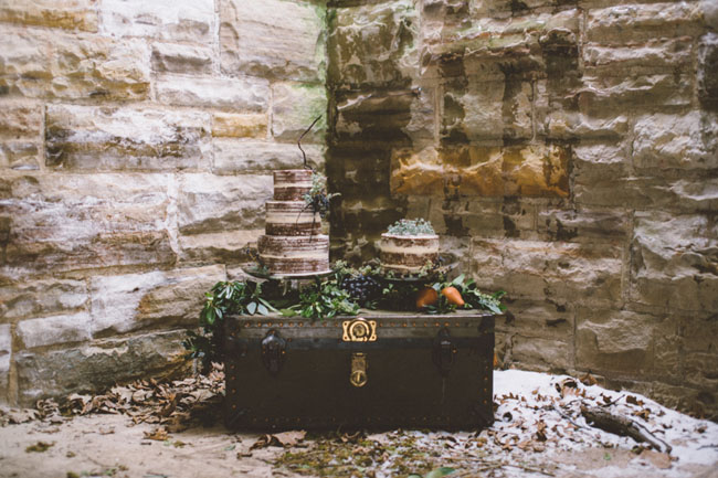 vintage trunk cake table