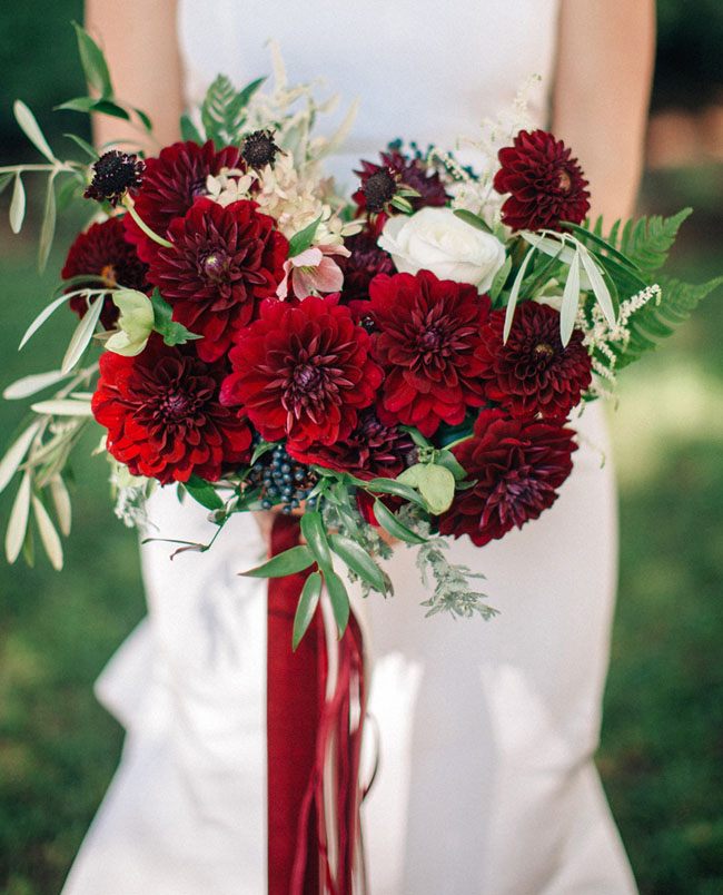 red berry dahlia bouquet