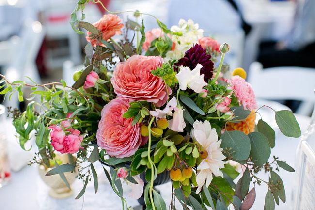 rose wildflower centerpiece