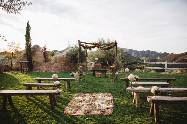 boho ceremony decor