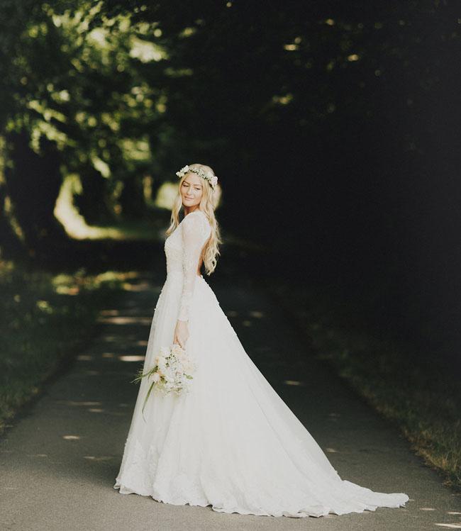 Jun Escario wedding dress