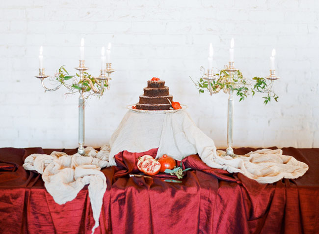naked cake table