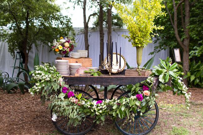 vintage plate garland cart