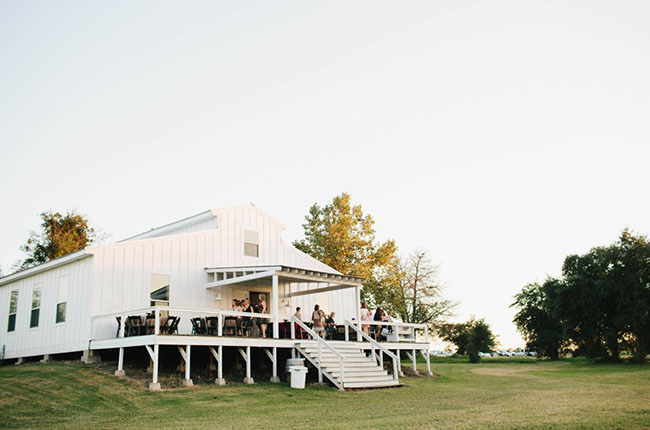 A Free Spirited Texas Hill Country Wedding - Green Wedding Shoes