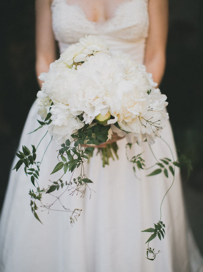 white and vine bouquet