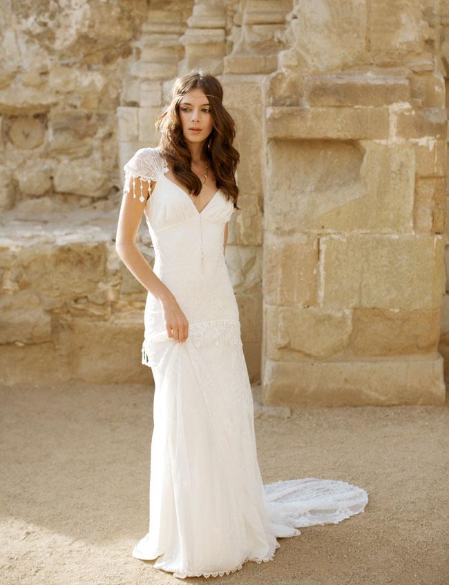 Modern Romance Wedding Dress : Romantic moroccan bridal inspiration green wedding shoes weddings