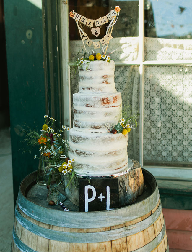 rustic naked cake
