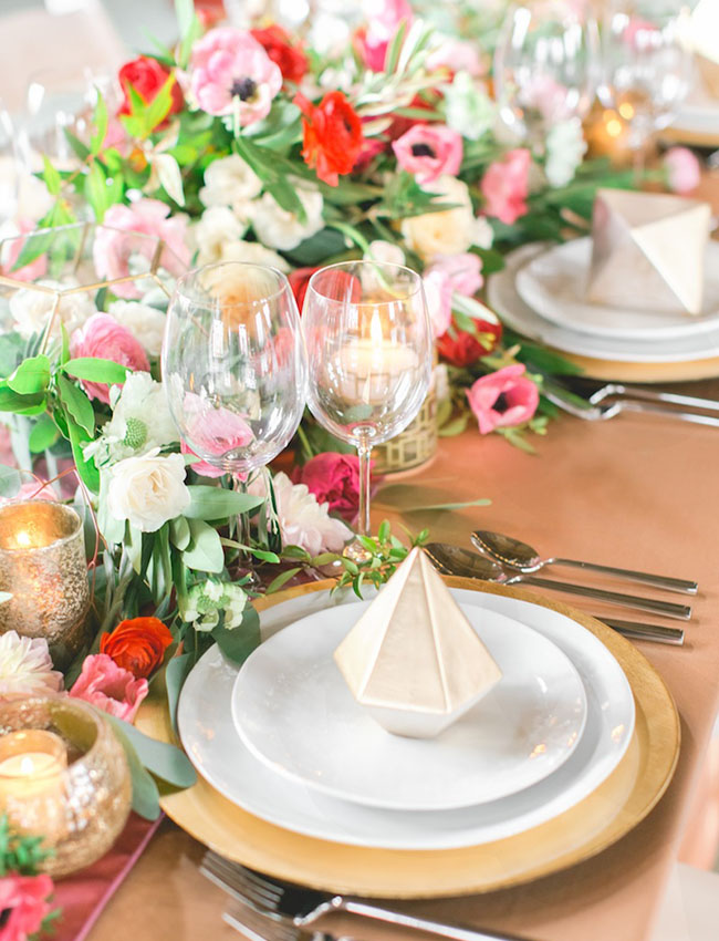 gold geometric plate setting