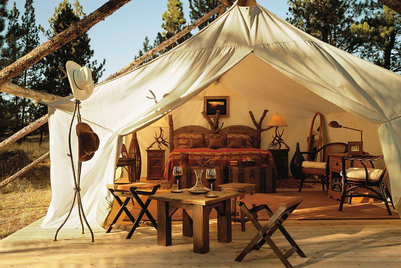 Popolare Glamping at The Resort at Paws Up - Green Wedding Shoes QL17
