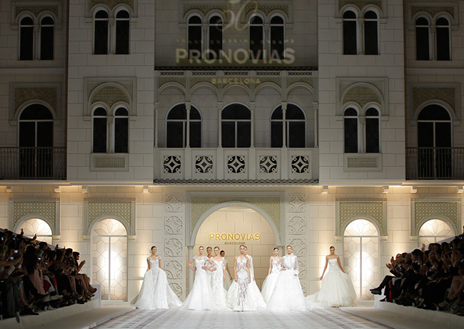 Pronovias_fashion_show_main