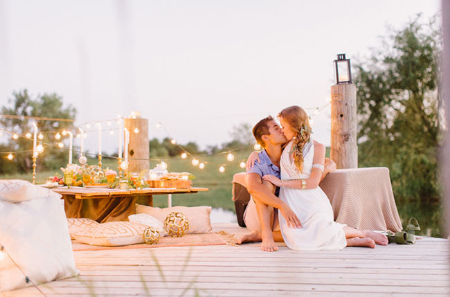 dinner proposal by the water