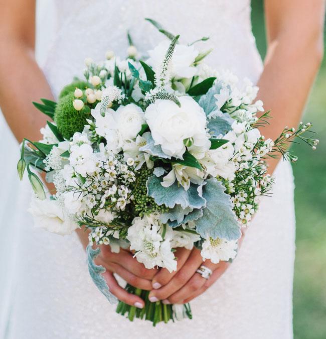 white wildflower bouquet