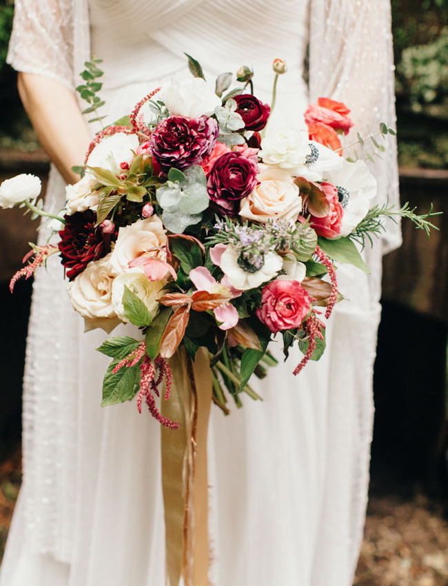 red and anemone bouquet