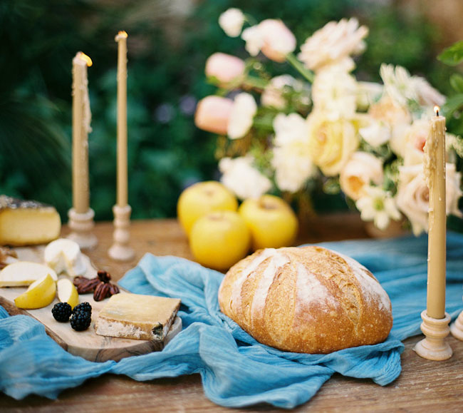 bread table setting