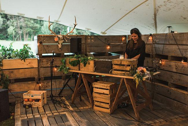 wooden palette dj booth