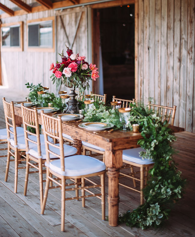 30 Inspirational Rustic Barn Wedding Ideas: Rustic-Chic Barn Wedding Inspiration