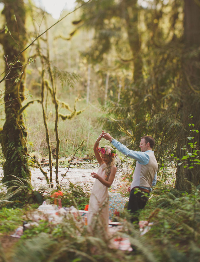 Treehouse Elopement Picnic