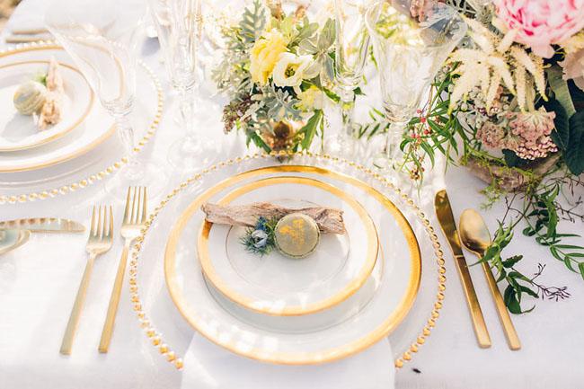 macaron plate setting