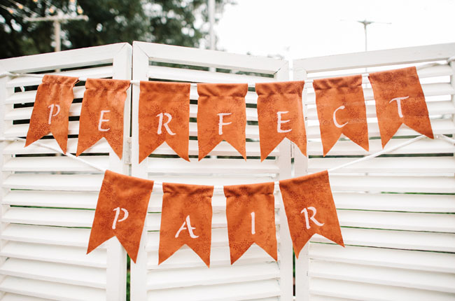 Fall bunting sign