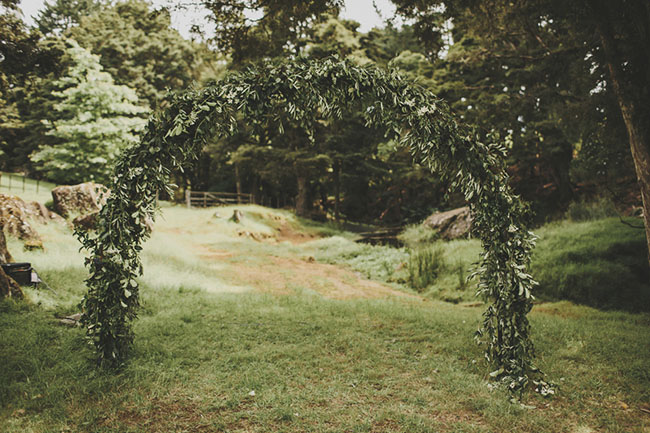 garland arch