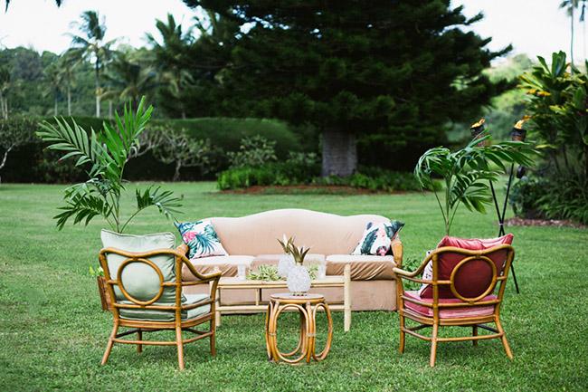 hawaiian lounge reception