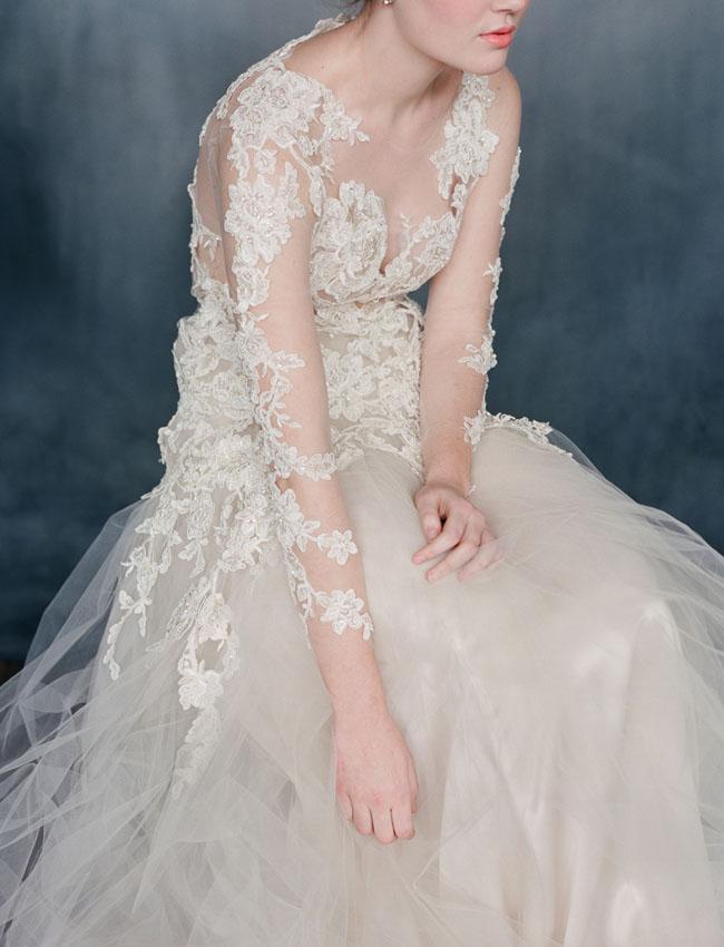 Váy cưới của Emily