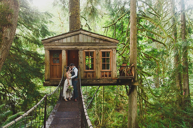 Rainy Day Treehouse Wedding: Katie + Eli