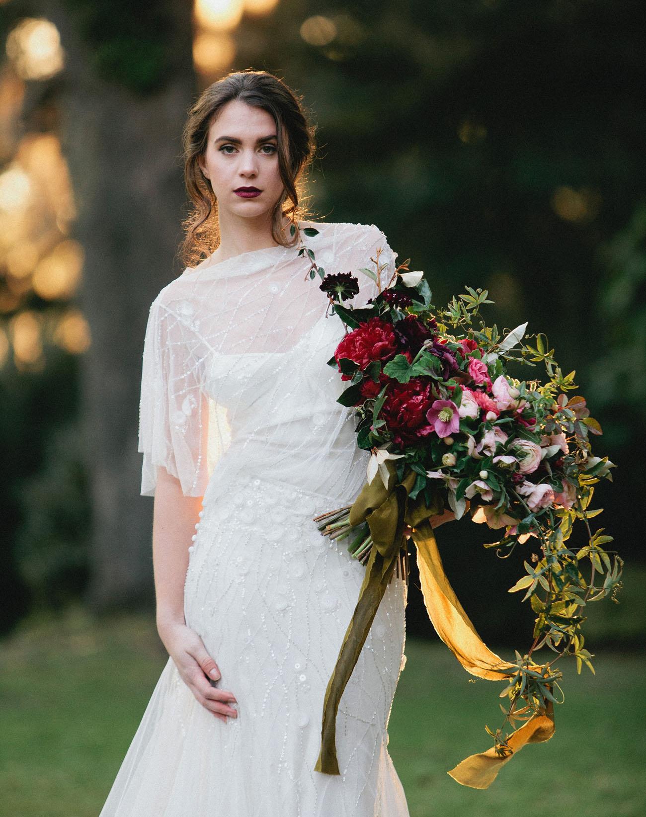 Romeo & Juliet-Inspired Valentine\'s Day Ideas - Green Wedding Shoes
