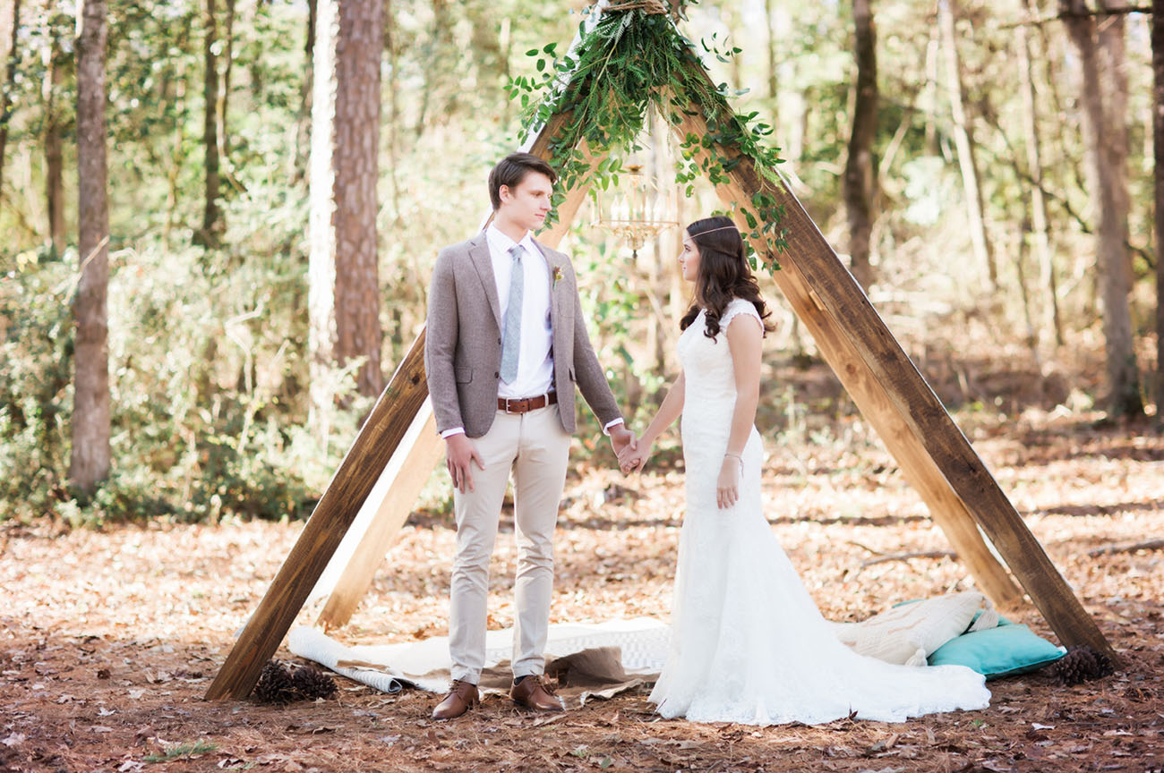 Rustic meets elegant wedding inspiration green wedding shoes inspired entirely by nature a group of louisiana based wedding creatives got together to produce this dreamy styled editorial where rustic meets elegant in junglespirit Gallery