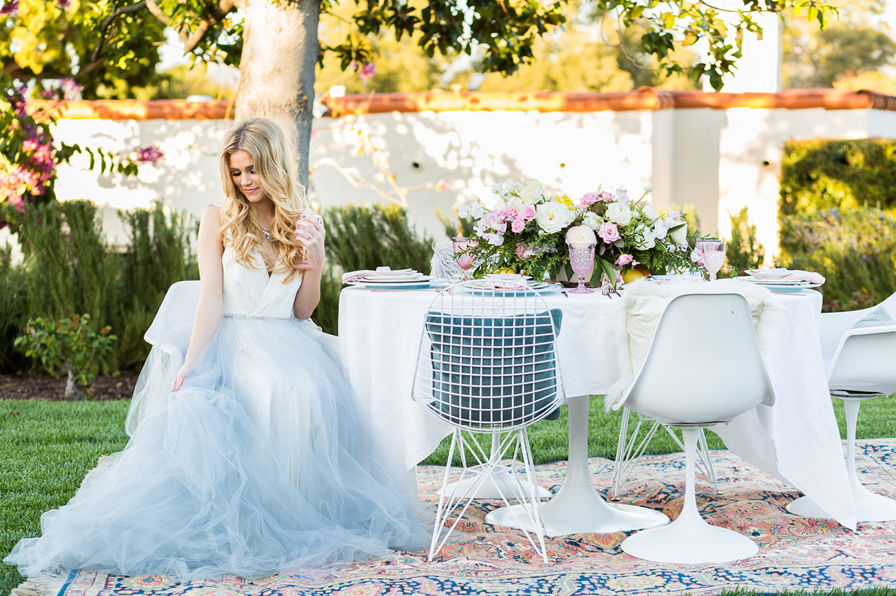 Modern outdoor wedding inspiration green wedding shoes lemon grove inspiration junglespirit Gallery