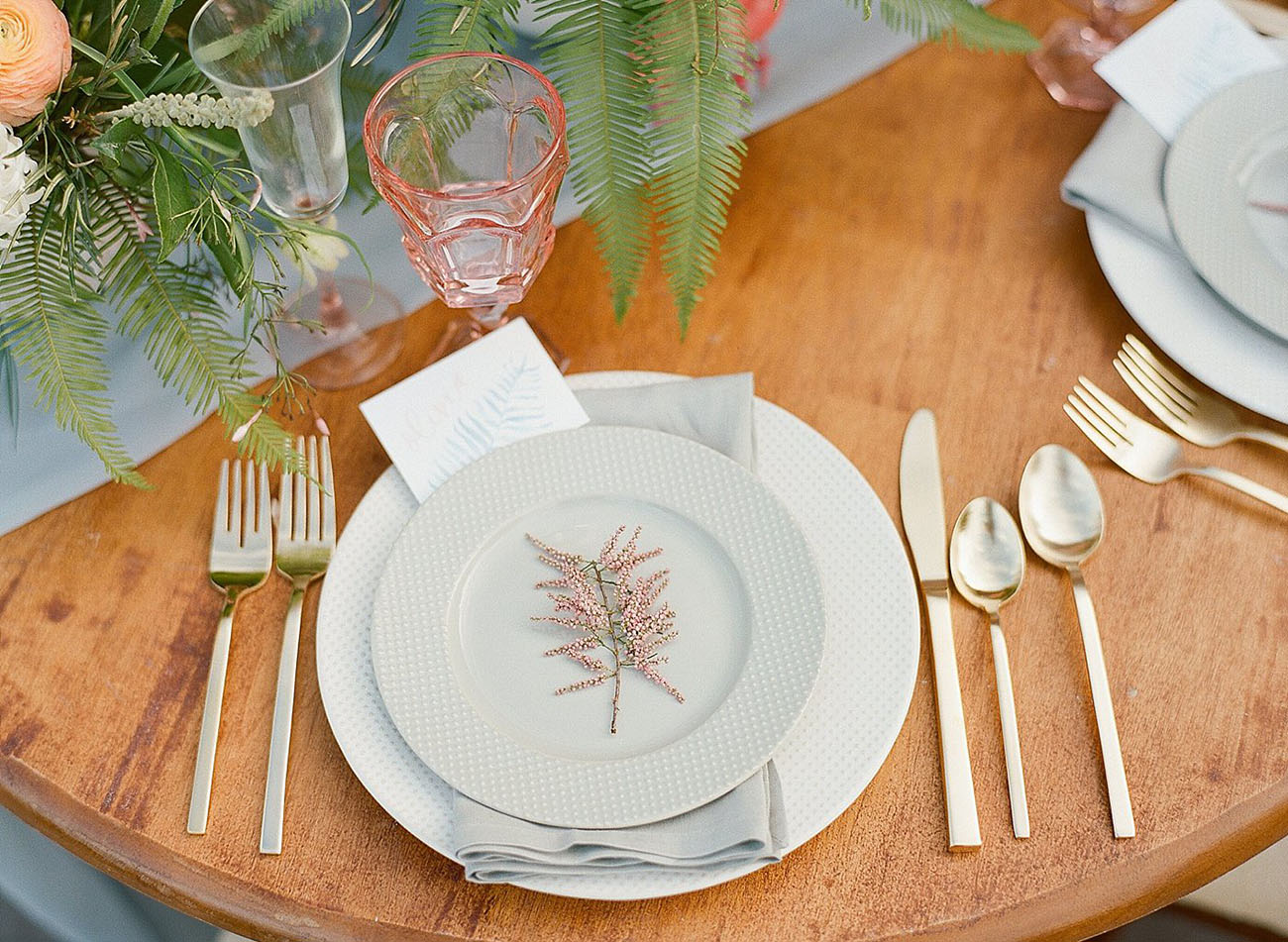 peach colored tablescape