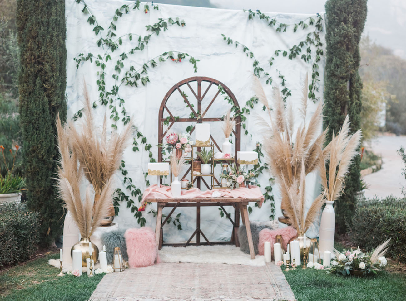 Diy Wall Draping For Weddings That Meet Interesting Decors: Modern Marble + Copper Wedding Inspiration