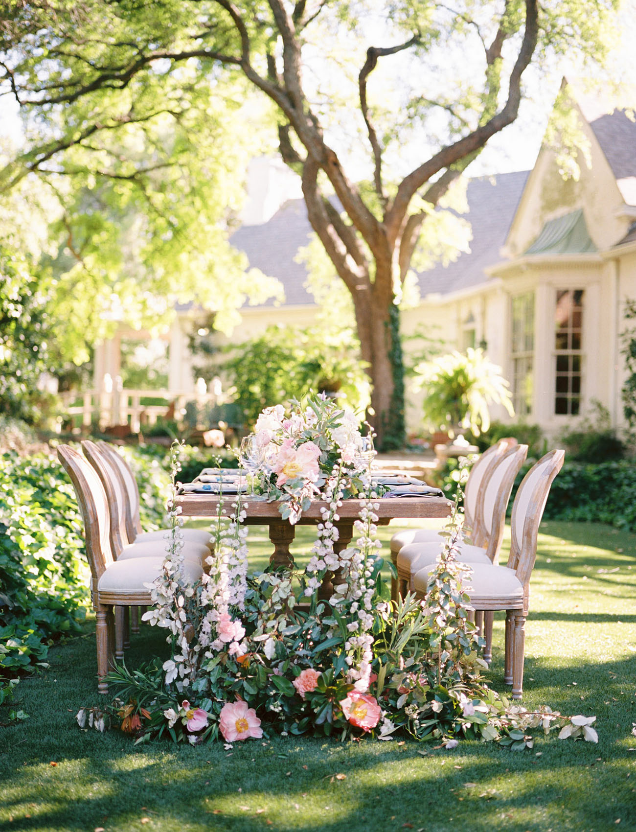 elegant garden party wedding inspiration green wedding shoes weddings fashion lifestyle. Black Bedroom Furniture Sets. Home Design Ideas