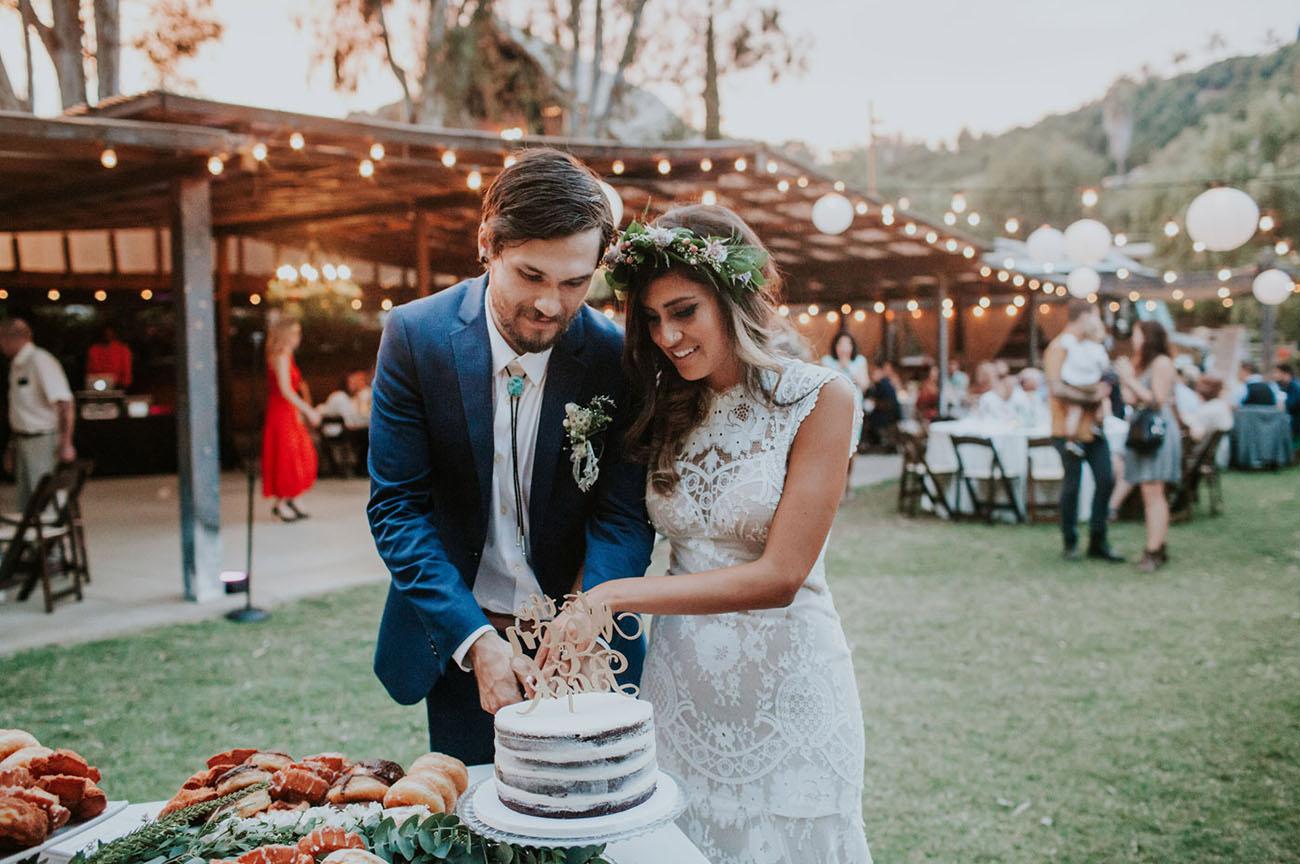 Bohemian california garden wedding brittany andrew green boho garden wedding junglespirit Image collections