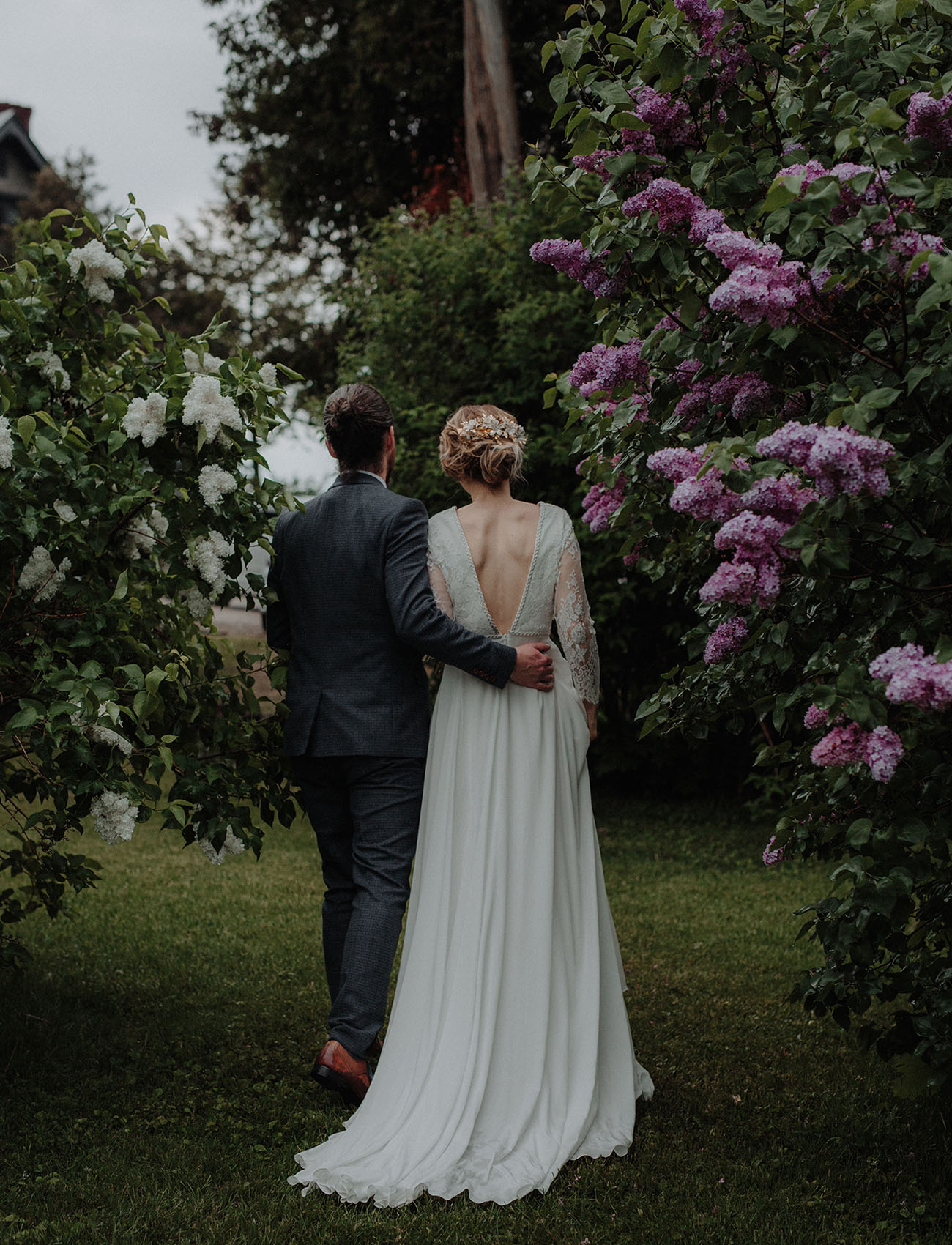 Wedding Dresses Vermont : Intimate vintage inspired vermont wedding erin mike