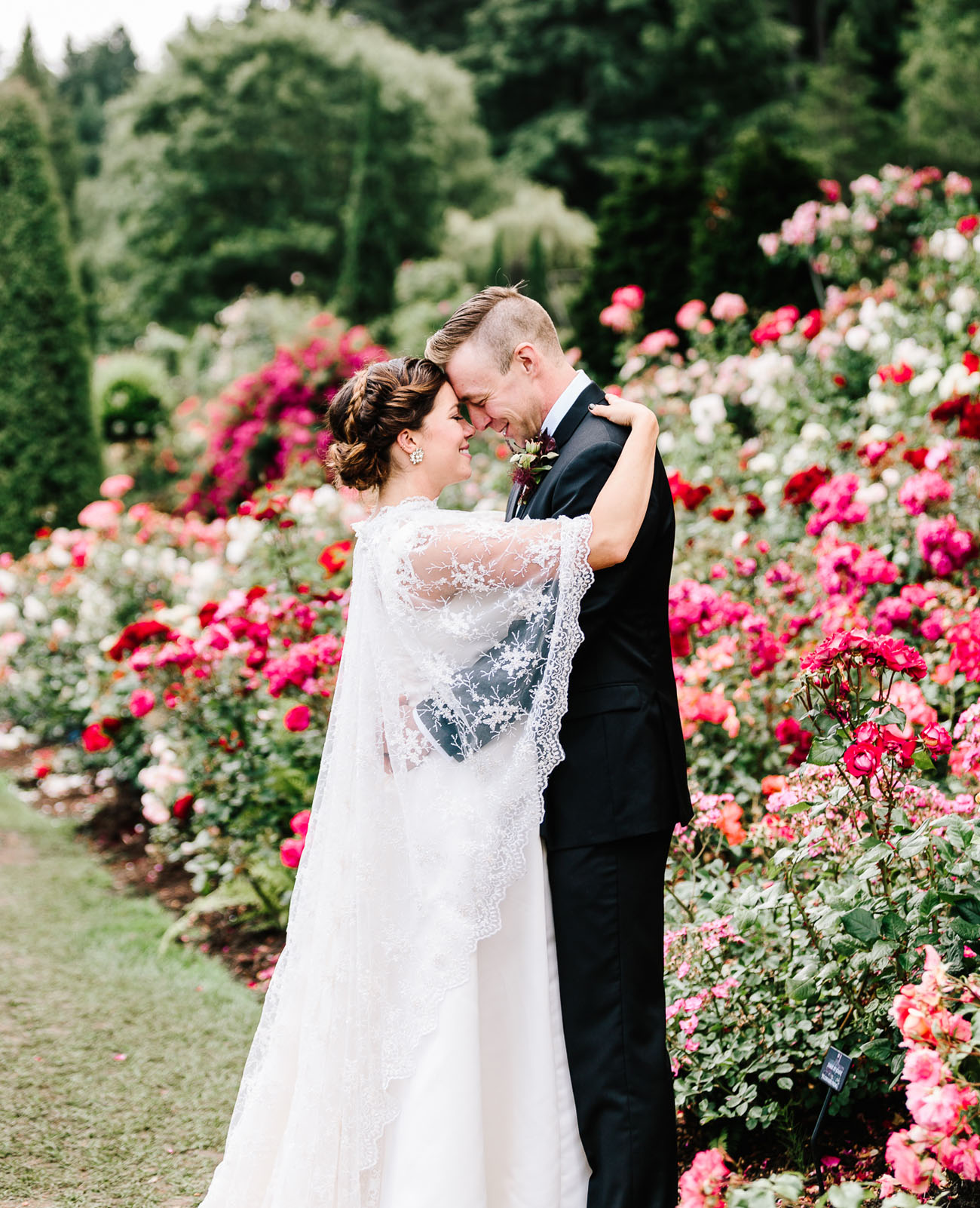Wedding Dresses Spokane Wa 71 Epic Leslie Gilbertson Lace Cape
