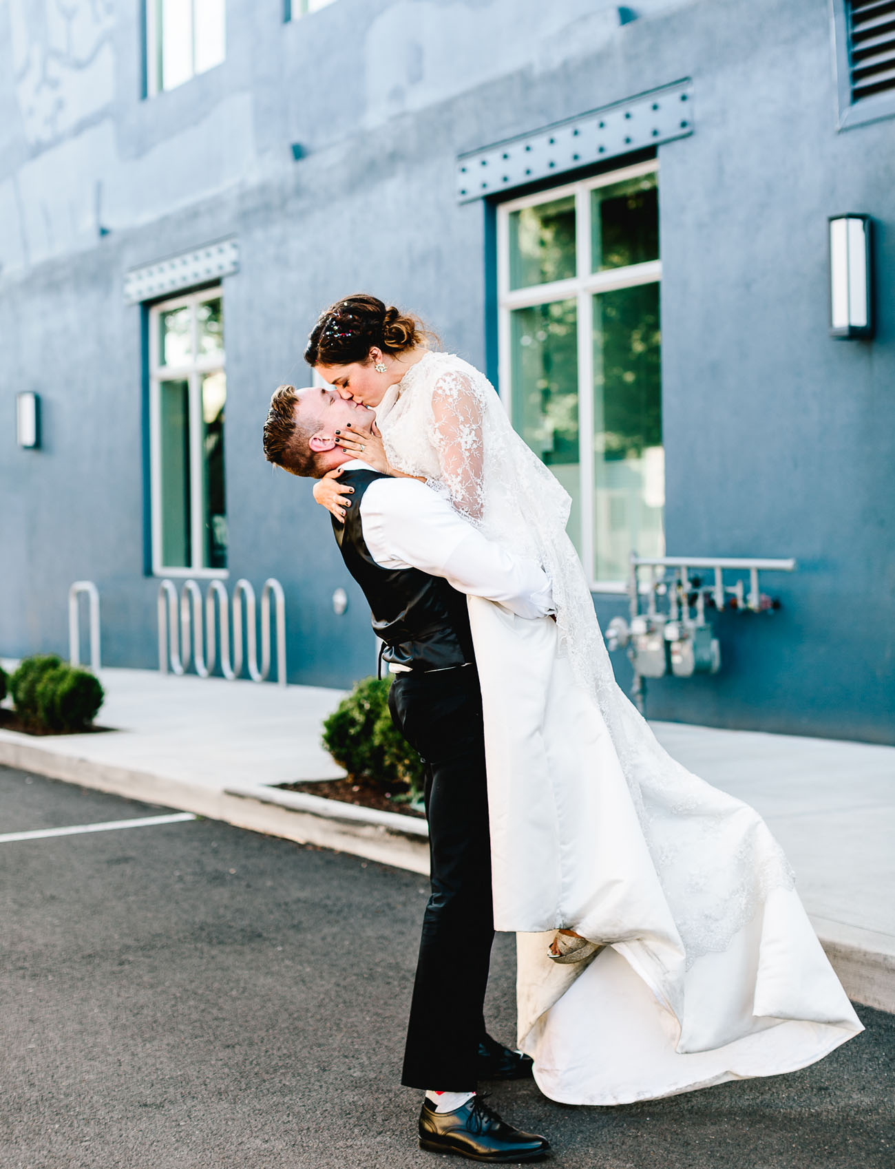 Floral Inspired Wedding in Portland: Amelia + Trevor - Green Wedding ...