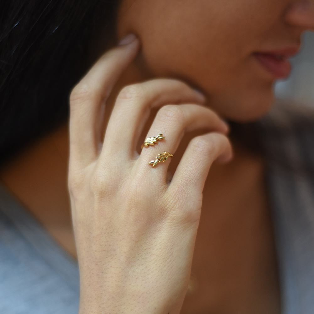 olive leaf ring by GWS x Mejuri